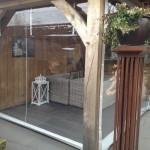 Verandazeilen bij een houte terrasoverkapping