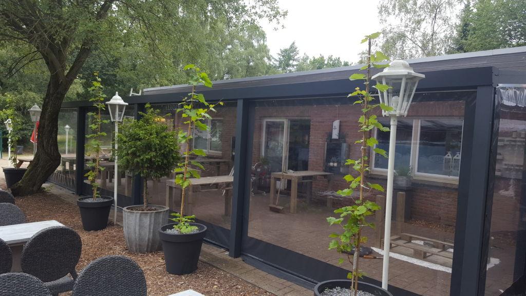 Verandazeilen geplaast bij Koffiehuis : Restaurant